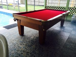 outdoor-pool-table